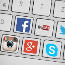 Dyskusja na temat serwisu chomikuj.pl i prawa autorskiego na portalach społecznościowych